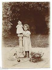 C489 Photo vintage originale snapshot Enfant jouets ancien poupée doll