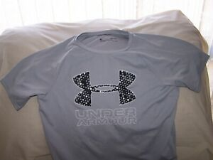 Boys Under Armour Gray BIG LOGO Short Sleeve Shirt Large LOOSE FIT