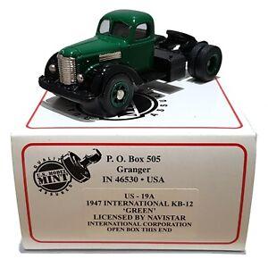 1:43 Scale US Model Mint US-19A 1947 International KB-12 Tractor Unit - Green