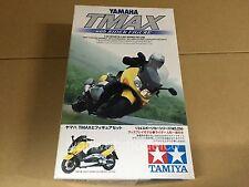 Tamiya 24256 Yamaha Tmax w/Rider Figure 1/24 scale model kit