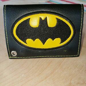 DC Comics Classic Batman Bat Signal Badge Tri-fold Wallet Black and Yellow