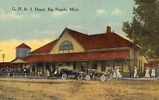 BIG RAPIDS Michigan US USA postcard train station GR & I depot Mecosta County
