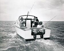 Pêche c. 1950 - Bateau Pêcheurs Moteur Johnson USA - GF 375