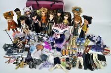 Bratz LOT 12 Fully Dressed Dolls CATZ Carry Case SHOES Clothes PURSES Accesories