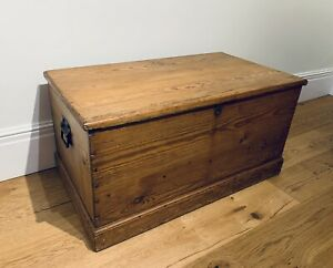 Old PINE CHEST, ANTIQUE Wooden Blanket TRUNK, Coffee TABLE, Storage BOX, Vintage