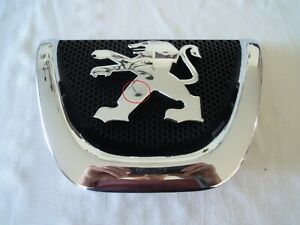 Original Peugeot  Kühleremblem  7810S8 1   NEU