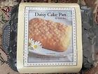 William Sonoma, Nordic Ware Daisy cake pan, Cast Aluminum, New