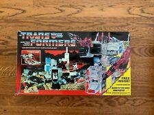 Complete Transformers Autobot Battle Station Metroplex w/Box G1(Plastic Wheels)