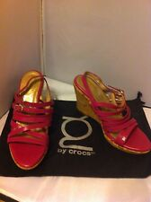New YOU by Crocs Cookie Womens Leather Cork Heel Wedge Shoes SZ 8.5 Pink Fushia