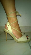 Michael KORS Très jolie paire de sandales en toile beige et chanvre tressé Neuve