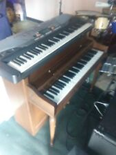 Vintage wurlitzer 700 electric piano . With built in tube amp