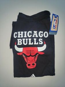 Chicago Bulls TEAM ADIDAS LARGE TSHIRT - BRAND NEW *****ON SALE*****