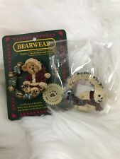 Boyds Bears Brooch Pin Christmas Bear Wreath Collectable Gift Stocking Stuffer