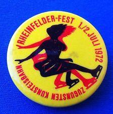SWITZERLAND RHEINFELDER -FEST 1972, ZUGUNSTEN KUNSTEISBAHN, VINTAGE BADGE !