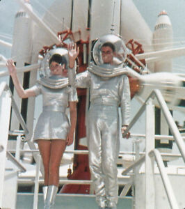 Vintage Stereo Realist Photo 3D Stereoscopic Slide SPACE MAN & GIRL Tomorrowland
