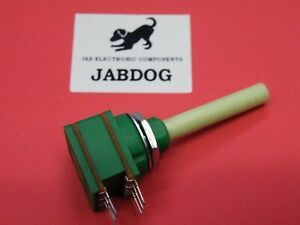 Omeg 16mm Potentiometer 10K Log Dual Stereo 6mm Spindle 10g Z151a