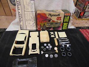 """Jo-han 1969 Plymouth GTX """"The Boss"""" Model Kit C-2069 Cartoon Box and Instruction"""