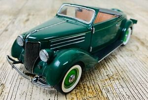 FRANKLIN MINT 1/24 SCALE 1936 FORD DELUXE CABRIOLET DIECAST CAR MODEL