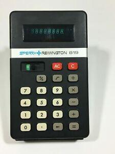 Vintage SPERRY REMINGTON Model 819 Electronic Calculator W/ Case