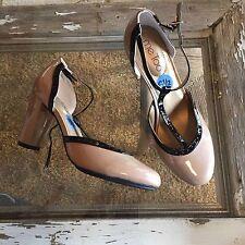 Womens me too lavi  tan & black patent t-strap heels shoes size 6 1/2