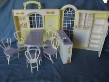 Barbie HAPPY FAMILY GRANDMA'S KITCHEN Folding House Playset WITH Chairs