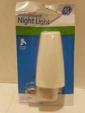 GE 4 Watt Manual On/Off White Shade Night Light-GE3934-17D4--BOX OF 4