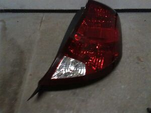 03-07 SATURN ION PASSENGER RIGHT SIDE TAIL LIGHT TAILLIGHT LAMP