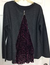 Gina Louise Sz XL Charcl Grey Knit / Red Wine Accent Back Zip Artsy Top Sweater