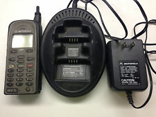 Motorola i390 vintage phone with battery and 2 station charger bundle