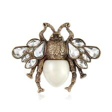 CG3039...GOLD PLATED BROOCH OF A BEE - FREE UK P&P