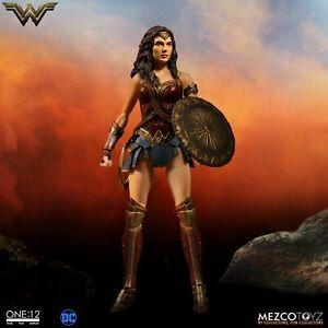 NEW! Mezco Toyz One:12 Collective DC Wonder Woman (2017 Movie)