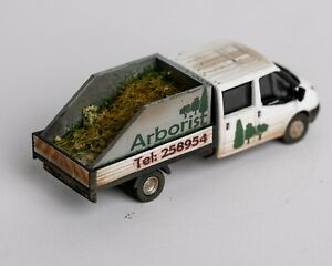 Oxford Diecast 76TPU005 Ford Transit Dropside with Aborist Back