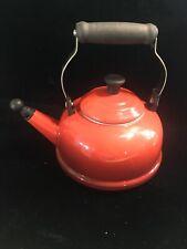 Le Creuset Red Tea Kettle 1.7 Qt/1.6 Ltr