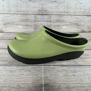 Sloggers Clogs Size 8 Rubber Slip On Mule Green Yard Garden Shoes Made in USA