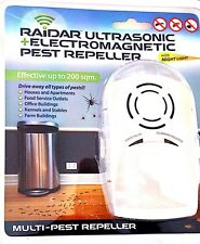 Raider Ultrasonic Electro Magnetic Pest Repeller Plug In Night Light 200 Sqm