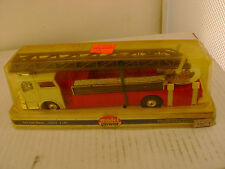 MODEL POWER PLAYART 1:48 SCALE RED W/WHITE CAB MACK FIRE ENGINE LADDER TRUCK NEW