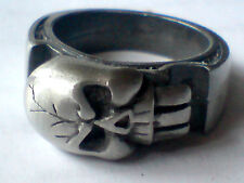 MEN'S LARGE HEAVY PEWTER RING witha LARGE SKULL DESIGN UK.sizes R,X &Z £4.50 NWT