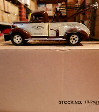 First Gear 1/34 1937 Chevrolet Tow Truck Ernest Holmes Chattnooga TN #19-2659