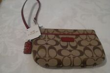 COACH PARK SIGNATURE MEDIUM WRISTLET BROWN NEW