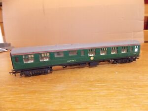 TRI-ANG R624 BR Mk 1 BUFFET COACH No S1851 Green Livery OO Gauge
