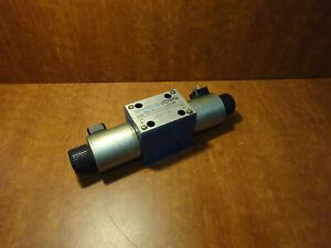Vickers DG4V-5-56CJ hydraulic valve