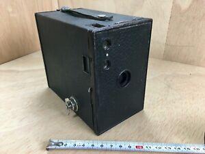 Eastmann Kodak Brownie  Boxkamera befriedigend erhalten    #3