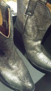 Frye Billy Short Boots Cowboy Boots Women 7 US Gold Brushed Metallic $288 NEW