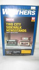 Walthers HO Scale Two City Sidewalk Newsstands Kit #933-3773 New in Box