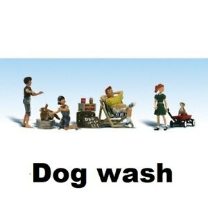 Woodland Scenics Scenic Accents Dog Wash Figures Set      N Scale