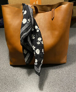 Madewell The Leather Transport Tote Bag In English Saddle With Scarf