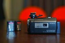 Camescope SONY HDR PJ580VE AVEC 3 BATTERIES D'ORIGINE 32 GO vidéo-projecteur