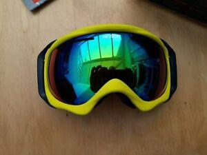 BNIB BANFF SKI GOOGLES green ADULT yellow NEVICA snowboarding UNISEX uv400 cat 3