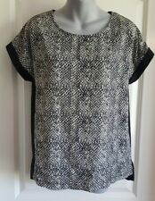 Woman's Blouse White & Black Design Top Shirt Jaclyn Smith Size S Small NWT