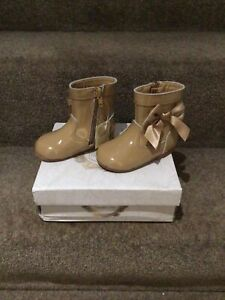 Genuine Leather Couche Tot Spanish Camel Colour, Bow Boots Size UK 5 EU 22